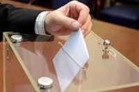 Acuerdo para igualar los derechos del personal laboral en el exterior en las elecciones sindicales y el régimen disciplinario