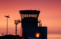 Publicado el laudo que resuelve la controversia de los controladores aéreos