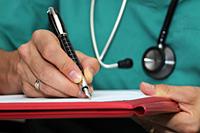 Los médicos de la Seguridad Social podrán emitir altas médicas durante el primer año de los procesos de Incapacidad Temporal