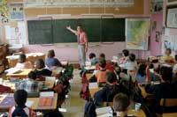 Méndez de Vigo felicita a los profesores por su contribución en la bajada histórica del abandono escolar temprano al 18,98%