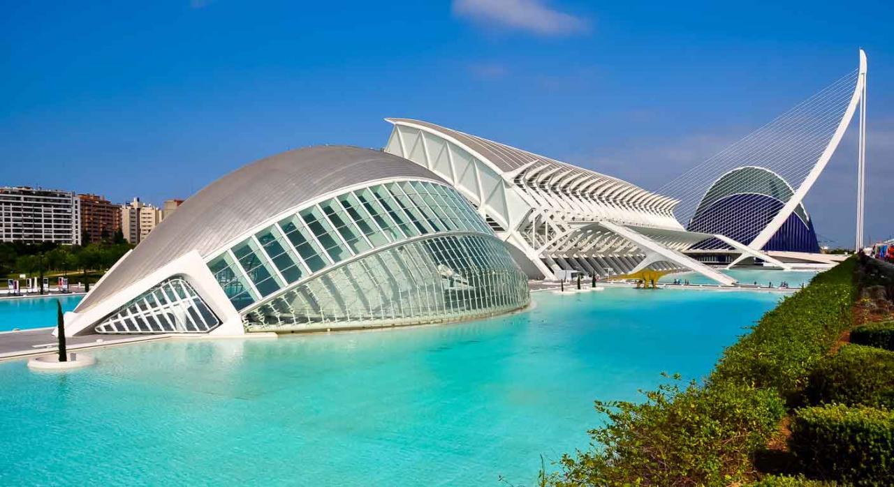 Convenios Colectivos Estatales, de CC. AA. y provinciales. Imagen de la Ciudad de las artes y las Ciencias, Valencia, España