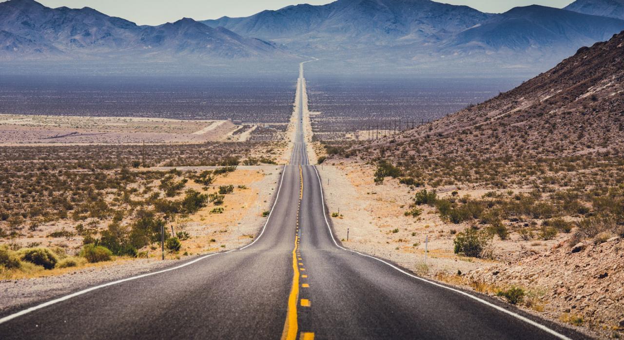 Consulte aquí los Convenios Colectivos estatales, autonómicos y provinciales publicados entre el 1 y el 15 de marzo de 2021. Imagen de una carretera