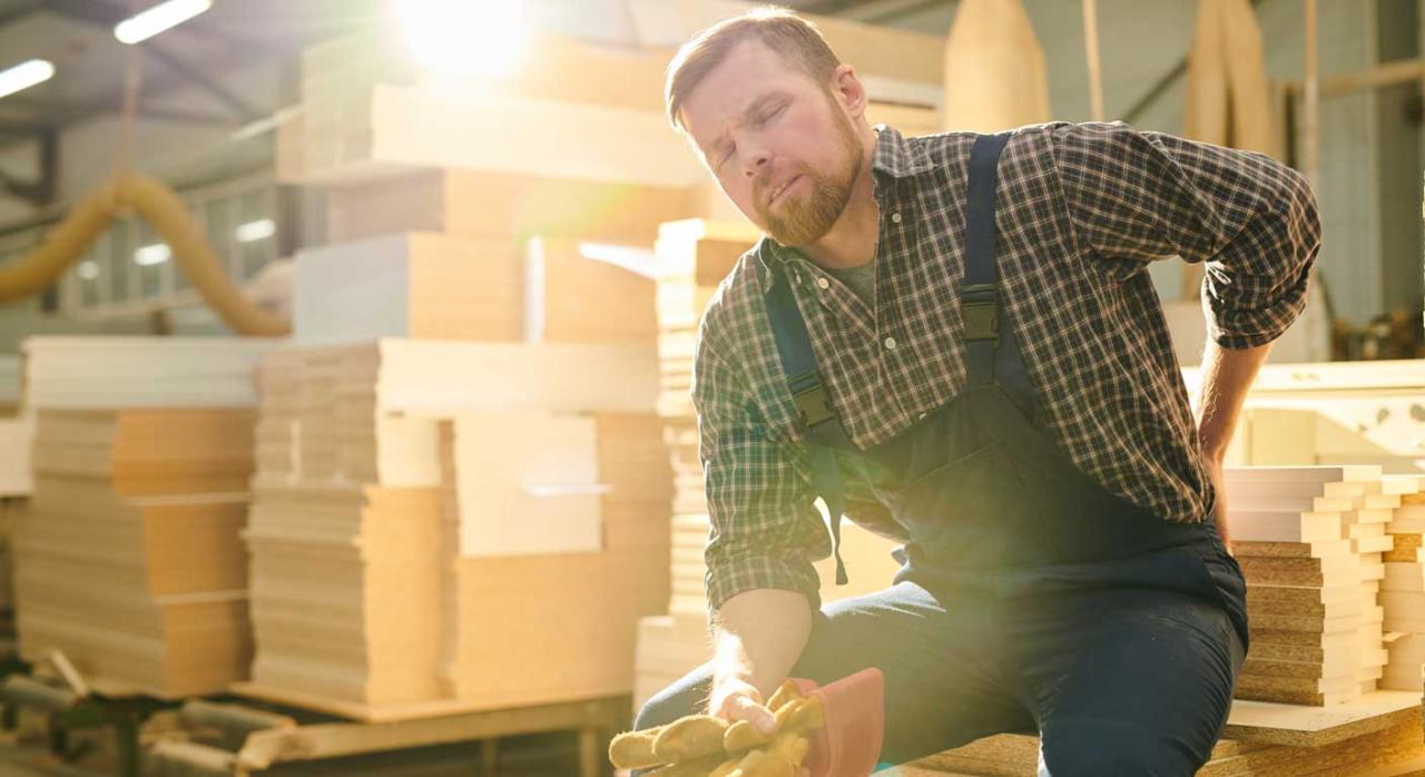 Trabajador con dolor de espalda. Despido por ineptitud sobrevenida