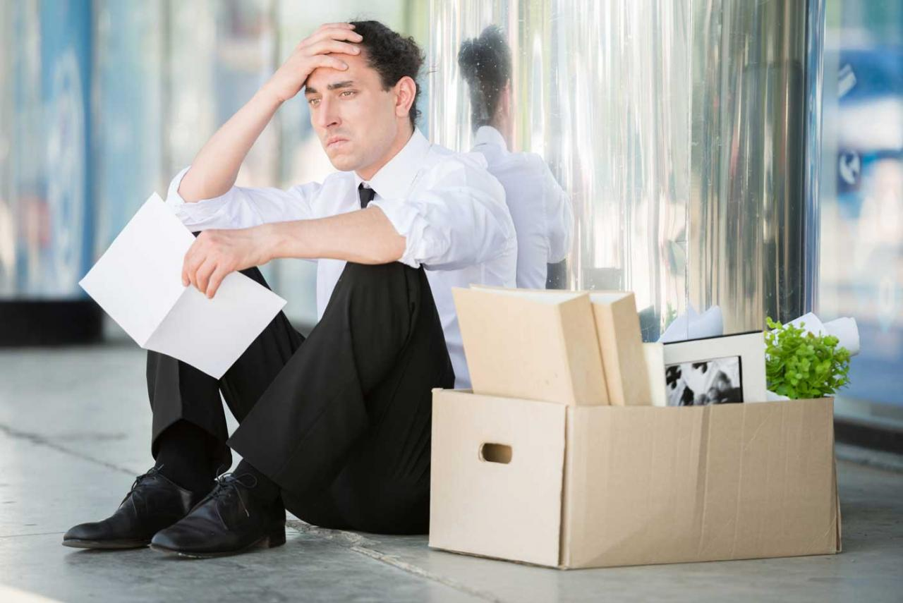TSJ. No cabe despedir al trabajador por el uso personal del ordenador y el móvil de la empresa si antes no se ha prohibido