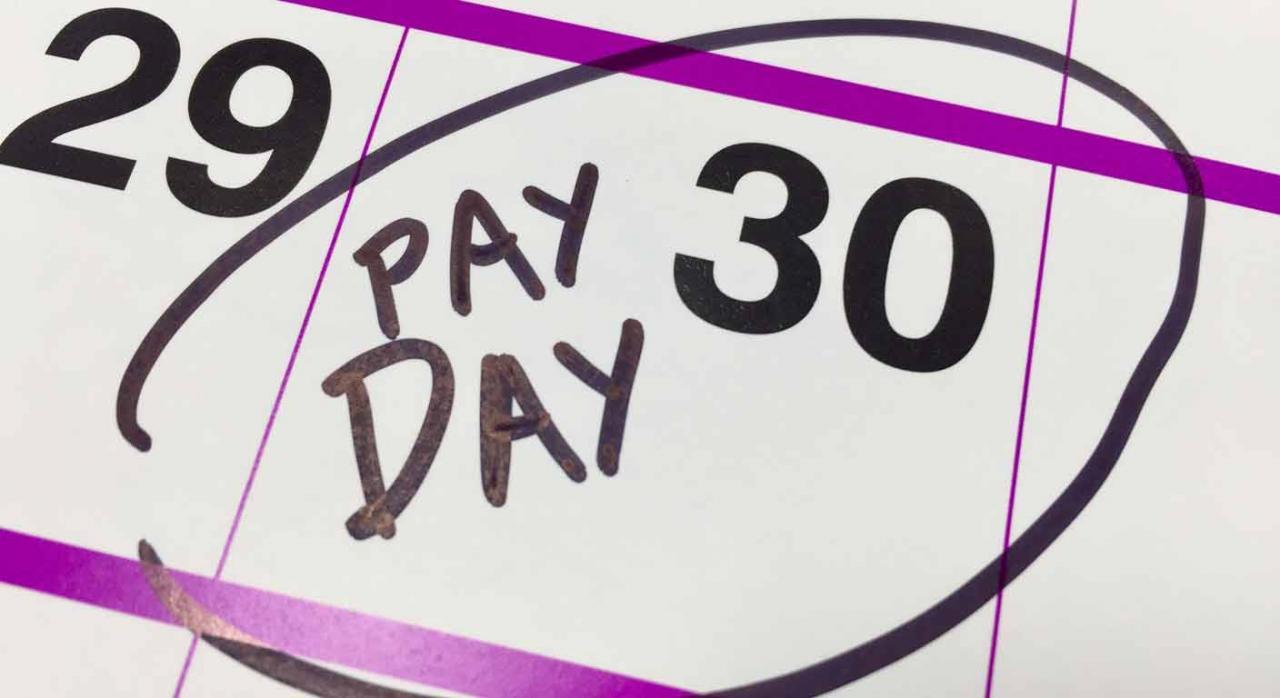 Imagen de una hoja de calendario con el día 30 marcado como día de pago