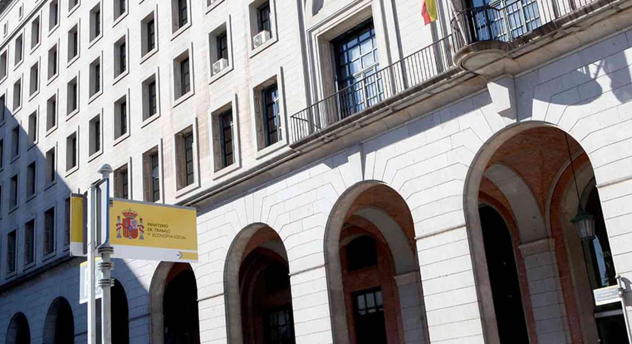 Consejo de Fomento de la Economía Social. Fachada del Ministerio de Trabajo y Economía Social
