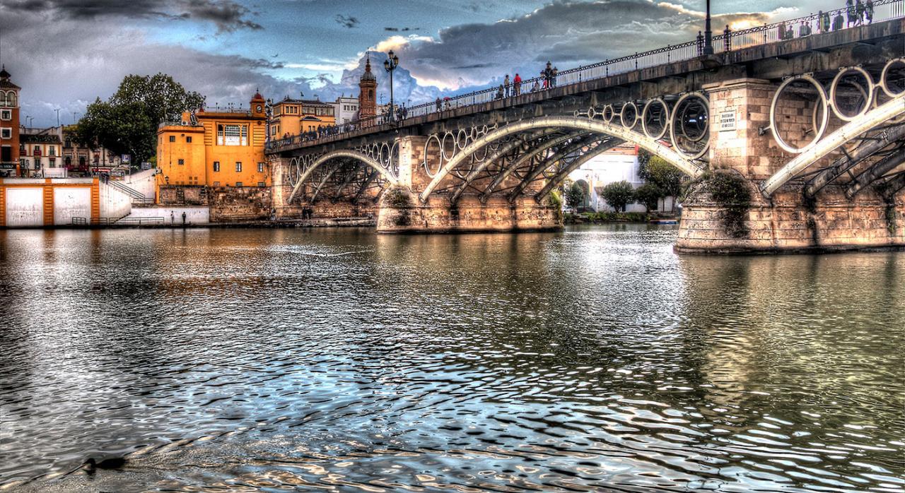Jurisprudencia. Imagen del río Guadalquivir en Sevilla