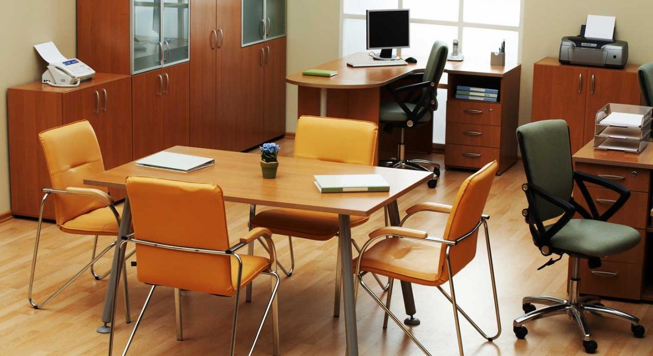 TSJ. Derecho de reunión en la empresa. ¿Qué se entiende por un local adecuado?