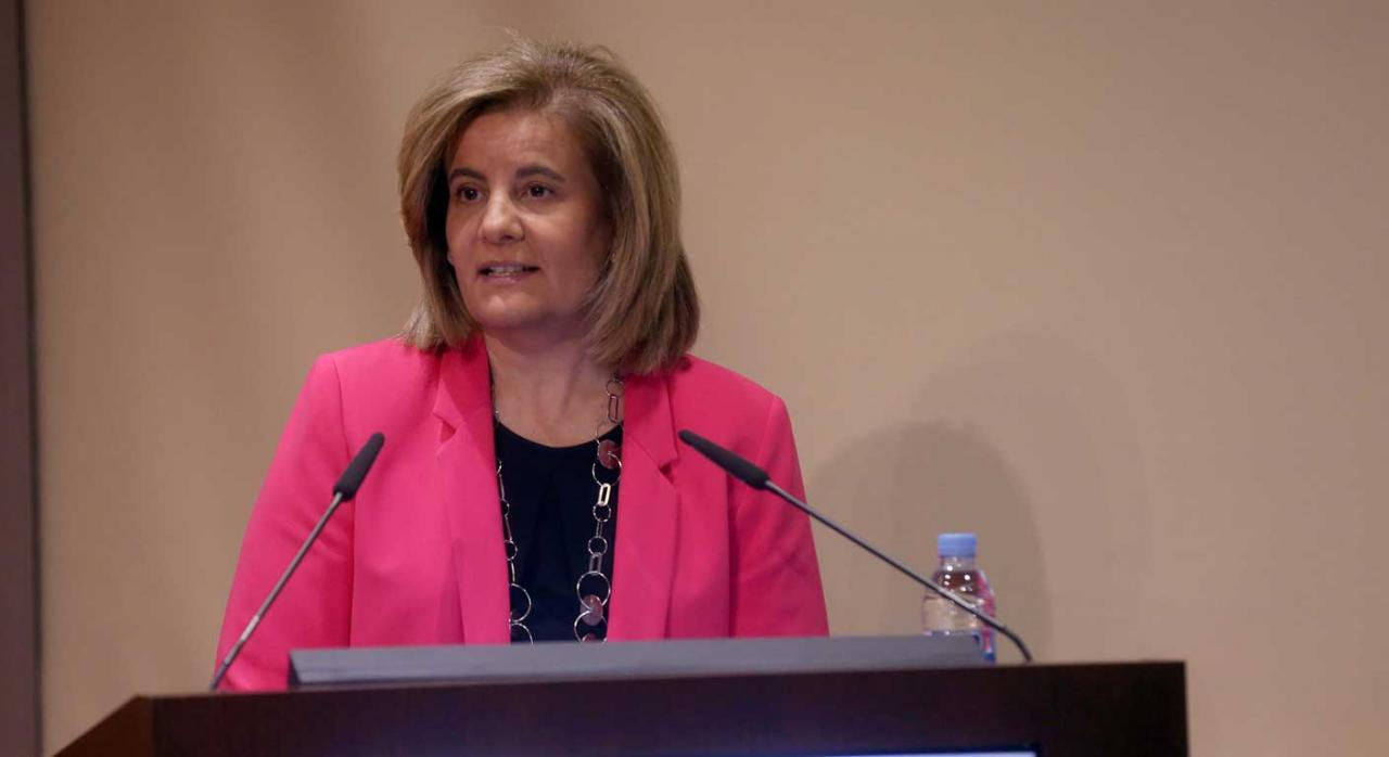 Fátima Báñez anuncia la puesta en marcha esta semana del Portal de la Responsabilidad Social