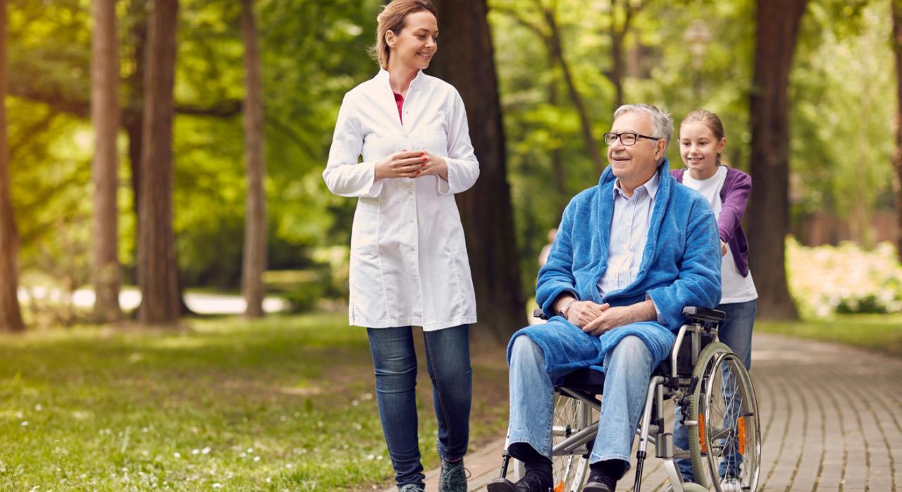 Personas con dependencia de grado II y III sin prestaciones podrán ingresar en residencias del medio rural en Aragón
